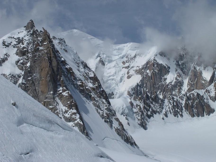 Un tranquillo weekend di paura - parete Sud del Monte Bianco 478466_375282089195173_1591369885_o