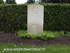 Flight Sergeant C.P. (Charles Philips) Pierce, Royal Canadian airforce 196 (R.A.F.) Sqdn | Oosterbegraafplaats Enschede