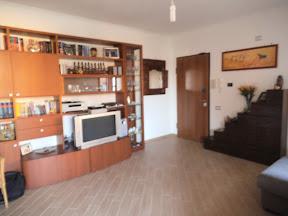 Cucina ciliegio colore pareti confortevole soggiorno - Mobili color ciliegio ...