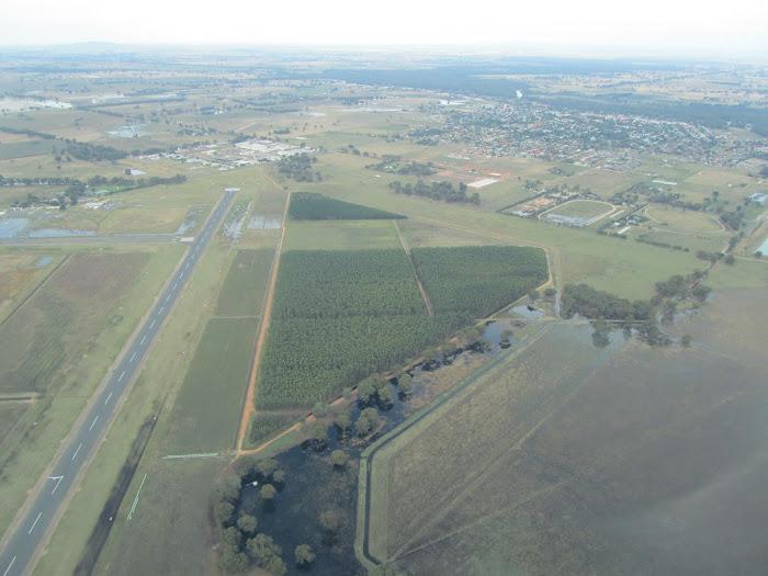 http://www.australian-soaring-corowa.com/airfield.php