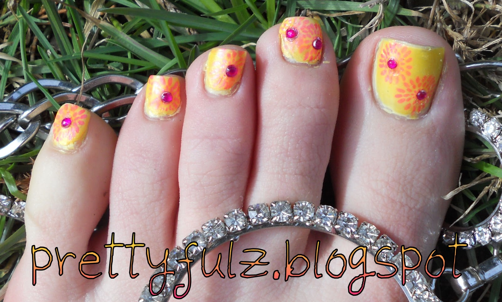 Prettyfulz Konad Pedicure Summer Sunburst Nail Art Design