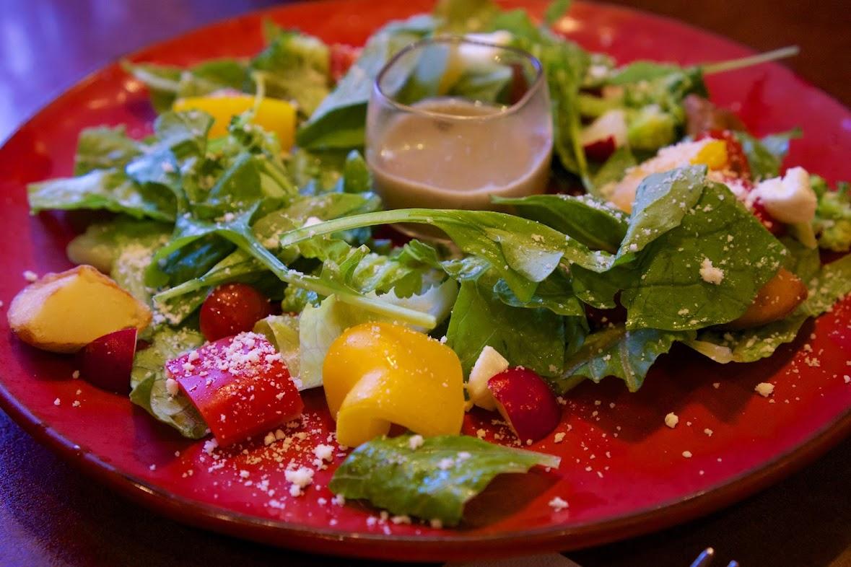 夏野菜サラダ(イタリア居酒屋クッチーナ)