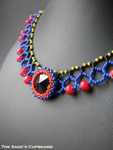 Black Heart Rivoli Collar