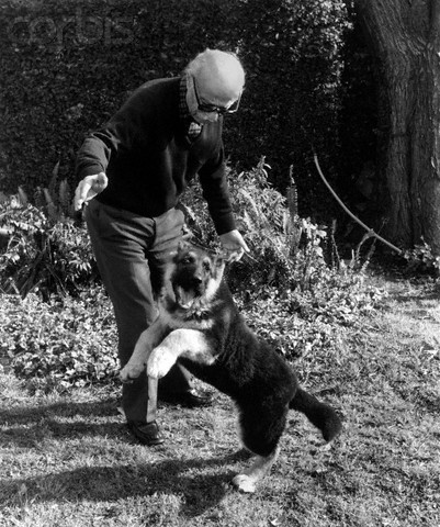 Ernesto Sabato and his dog Roque