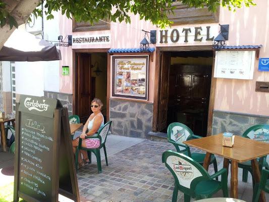 Fonda Central, Calle Grande, 26, 38670 Adeje Casco, Santa Cruz de Tenerife, Spain