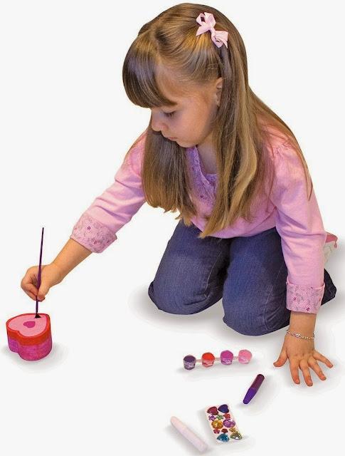 Bộ tô màu và thiết kế hộp trang sức trái tim ME3094 giúp bé rèn luyện sự khéo léo