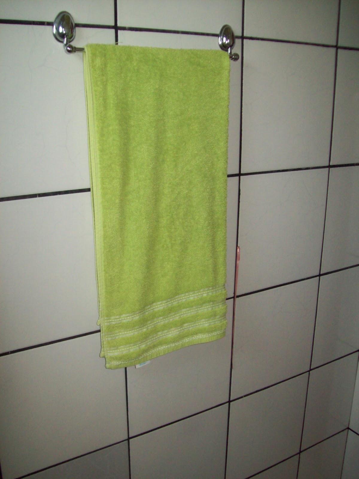 Aqui onde deixo o que utilizamos no banho no dia a dia. Tem mais  #7B8C3F 1200 1600