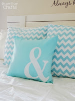 http://www.gingersnapcrafts.com/2013/06/diy-pillow-with-silhouette-heat.html?m=1
