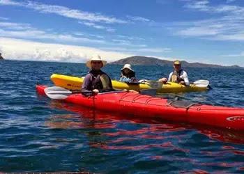 Kayak en el Lago Titicaca