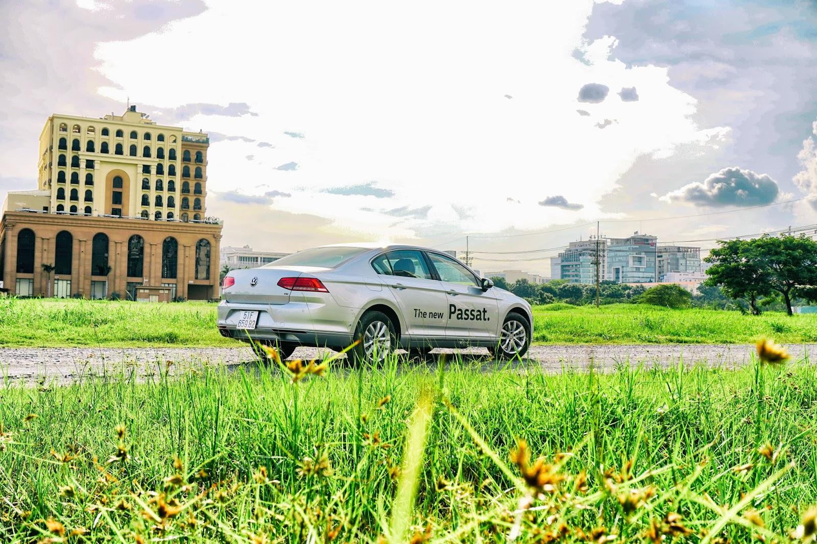 Nếu muốn một chiếc xe Đức, giá...Việt, thì Volkswagen Passat là lựa chọn tuyệt vời