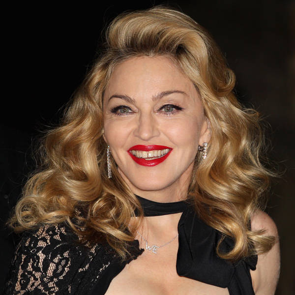 Madonna: American singer Madonna Louise Ciccone aka Madonna dated several men. The Material Girl has been in a number of relationships, including rapper Sean Penn, John F. Kennedy, Jr., Warren Beatty, Lenny Kravitz, Antonio Banderas, Vanilla Ice, Carlos Leon, Andy Bird, Guy Ritchie, Jesus Luz. Her latest squeeze is French dancer Brahim Zaibat.