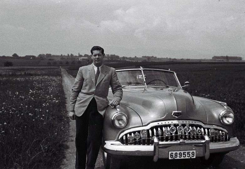 Regele Mihai I al României, tânăr, lângă mașină / King Michael of Romania, young, near car