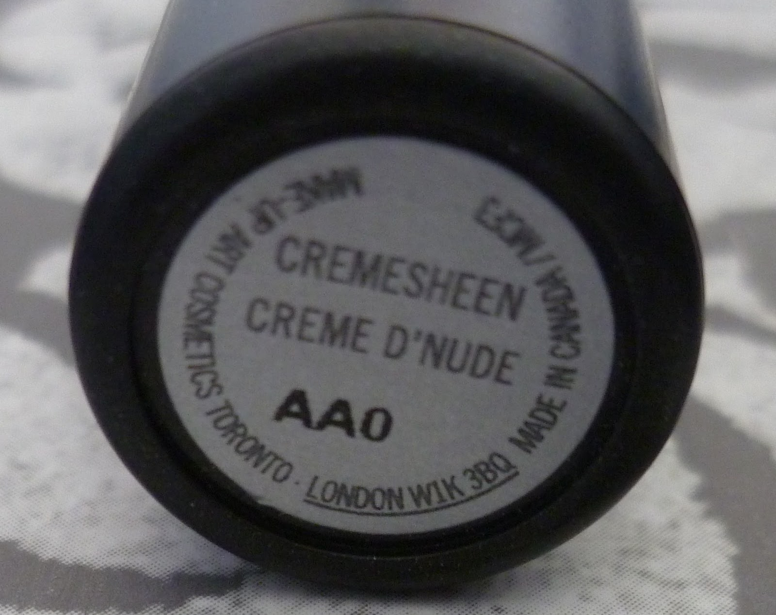 mac cremesheen lipstick cr me d 39 nude nicest things. Black Bedroom Furniture Sets. Home Design Ideas