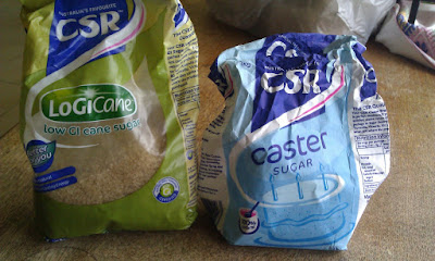 Figure 4: A packet of LoGiCain and a packet of caster sugar.