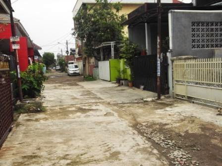 Rumah Harapan Indah Bekasi ( tanah 94,5 bangunan 70 )Sudah SHM 485 Jt Nego