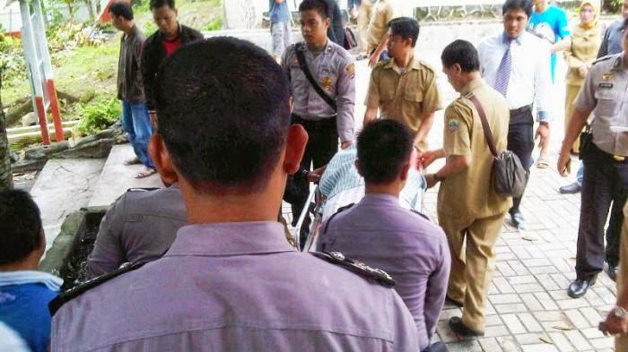 Penjaga Sekolah di Kotabaru Meninggal di Depan Kamar Kecil