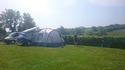 Camping  at Channel View Caravan Park