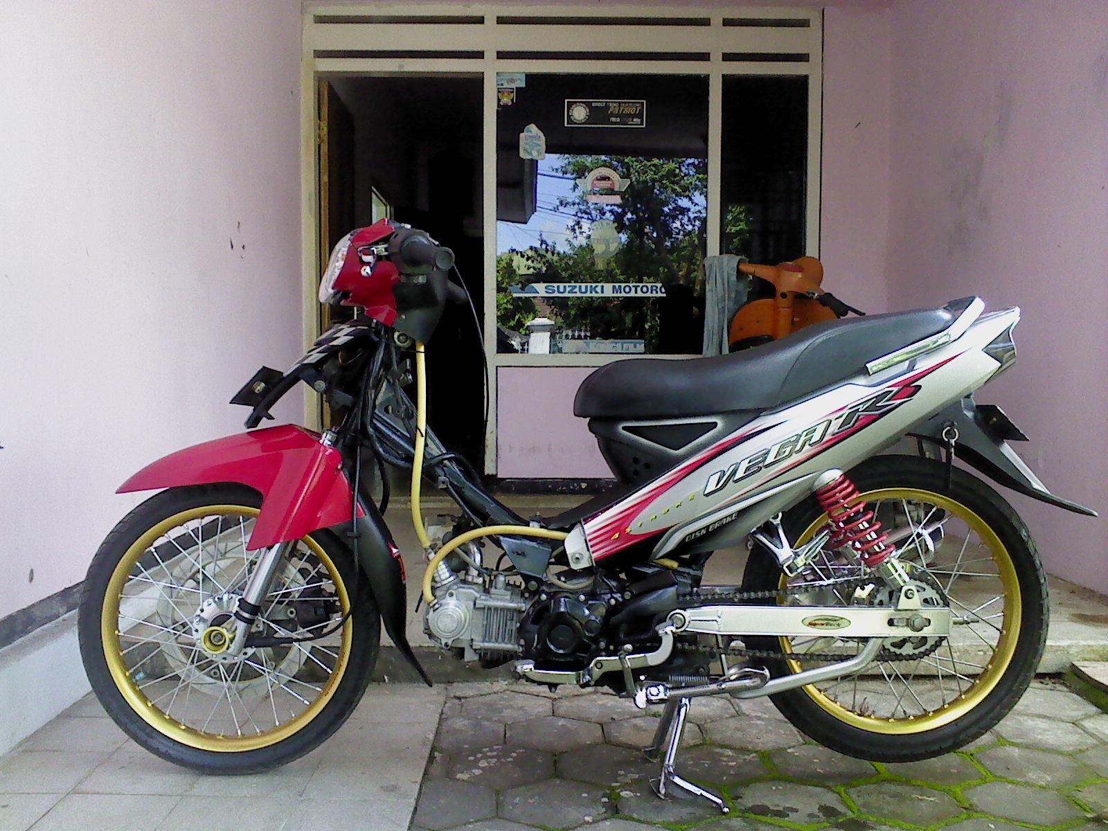 Koleksi Modifikasi Motor Yamaha Vega R 2004 Terbaru