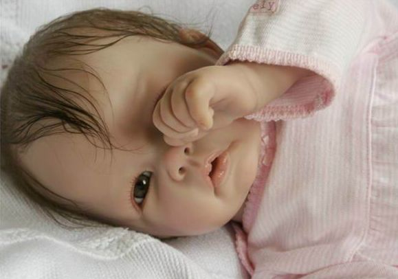 Gerçekçi oyuncak Bebekler