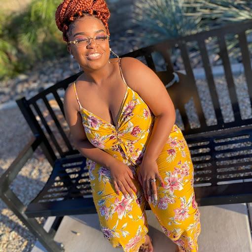 Briana White Photo 26