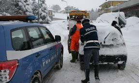 Un intervento della polizia in montagna