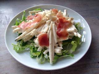 Langtidsstegte andelår, blommesauce og sellerisalat med fennikelfrø