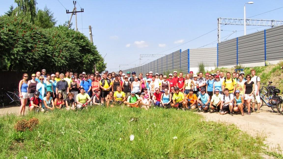 Grupówka przy PKP Chotomów = 85 rowerzystów