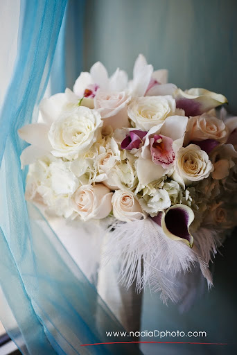 White and Blush Pink Feathers Bouquet