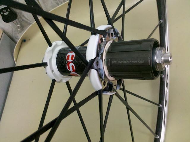 Задняя ось колесе Fulcrum Racing Zero - увеличенного диаметра