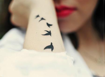 Tatuagem Feminina de Pássaros