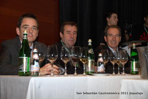 De izda a derecha: Marcelo di Luca, San Pellegrino-Panna , Agustí Torelló, enólogo, cavas Torello y Agustín Santaolalla, enólogo, Bodegas Roda.