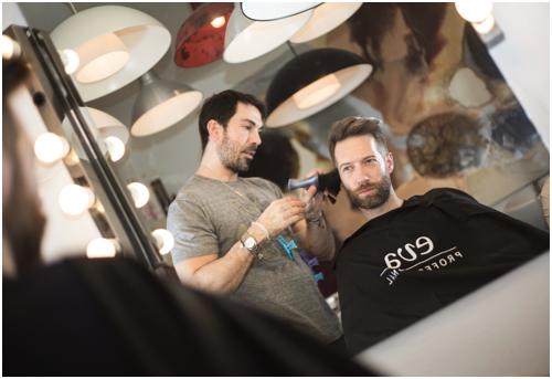 Corte de pelo en el salón de Manuel Zamorano estilistas.