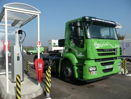 Iveco Stralis podczas tankowania bioCNG na stacji GVN Vert