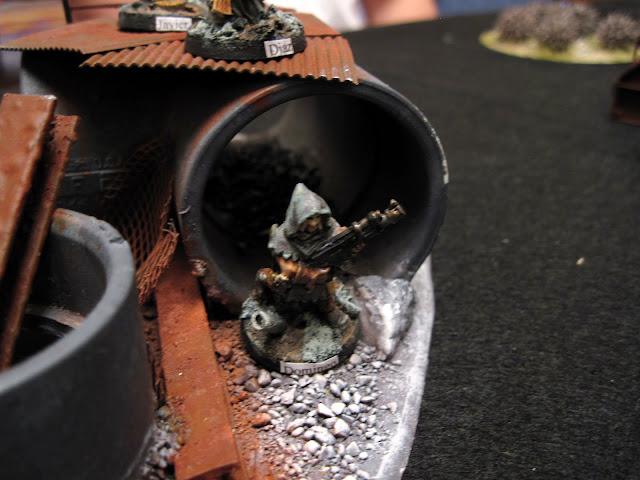 Drew's Cawdor moving through a scrap pile.