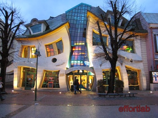 crooked-house-sopot-poland