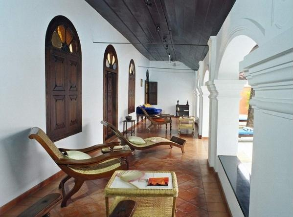Sense and simplicity 11 elements of british colonial decor in india - Verandah house interiors ...