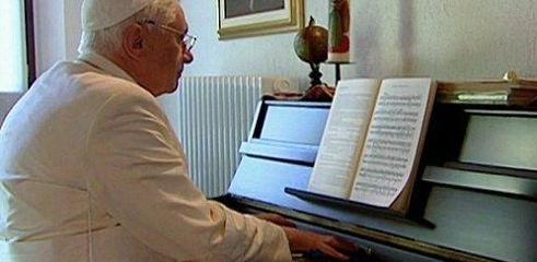 La grande tradizione musicale della Chiesa ha nel gregoriano e nella polifonia due delle espressioni più alte...