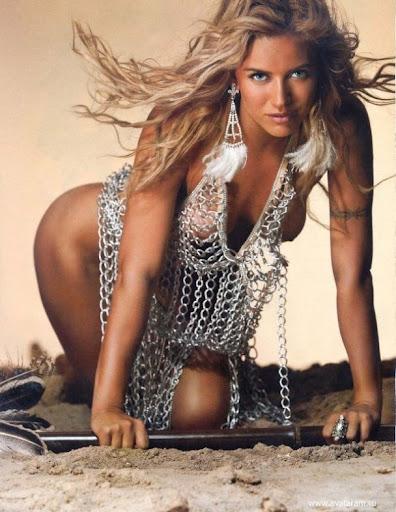 Героиня самой дорогой аварии в Монако снялась для Playboy