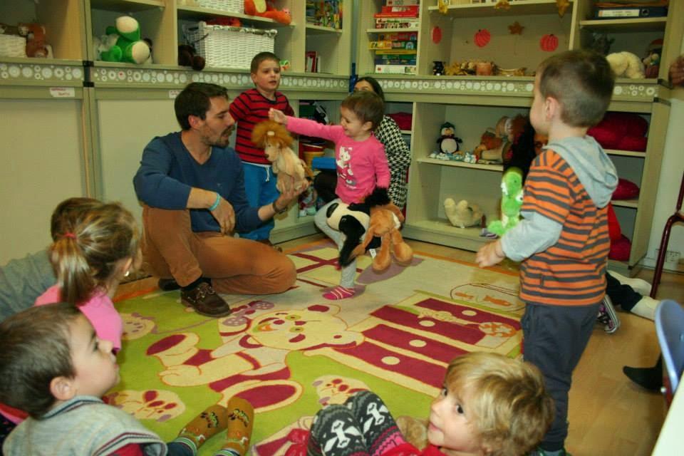 Principele Nicolae continuă voluntariatul la Fundația Alpha Transilvană