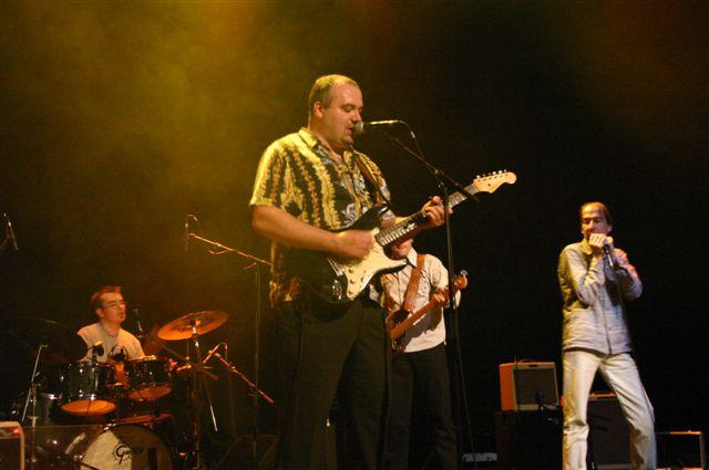 El junco jazz club conciertos concerts madrid spain for Conciertos jazz madrid