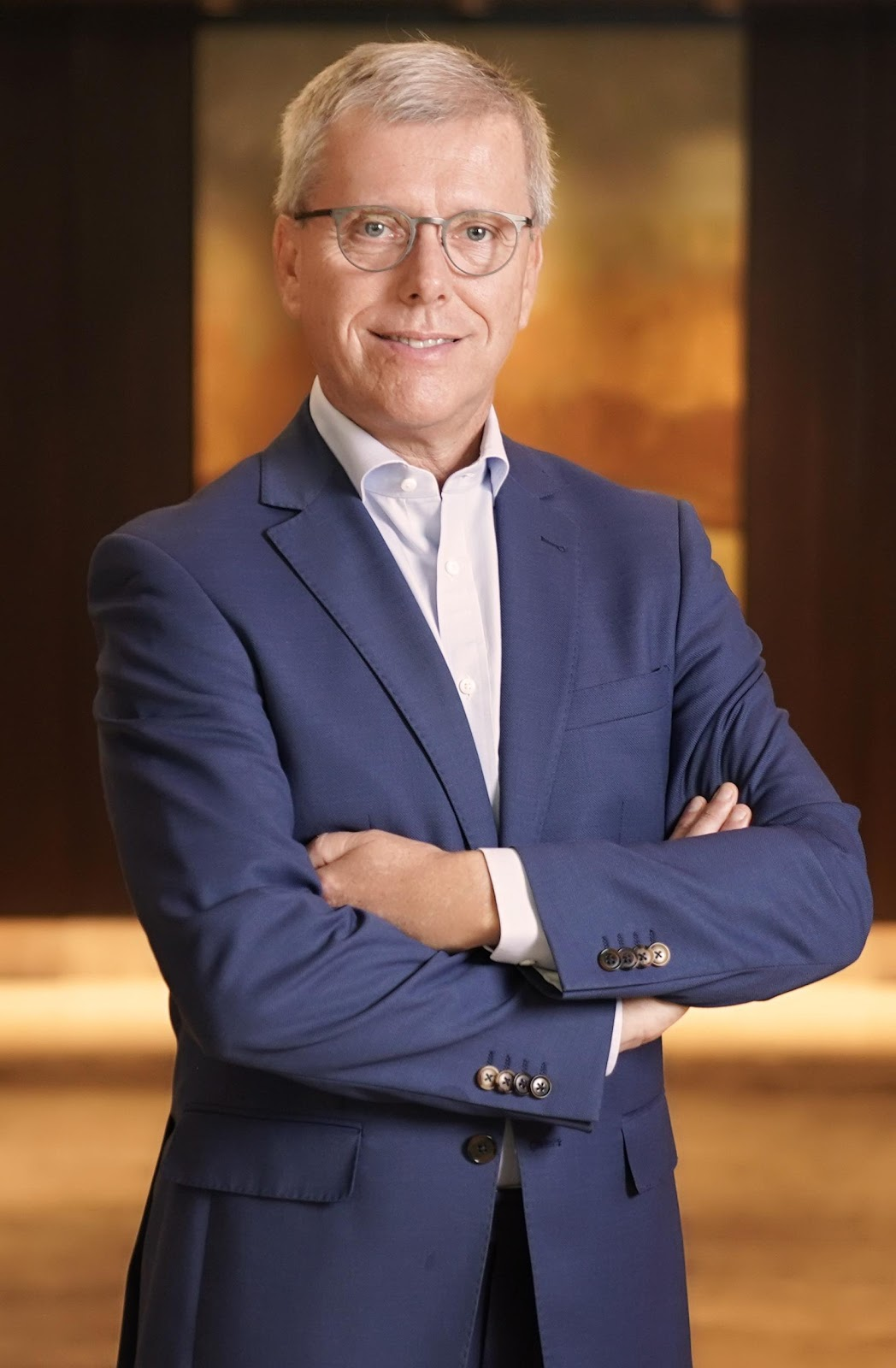Marcel van Mierlo, New World Makati Hotel's new general manager