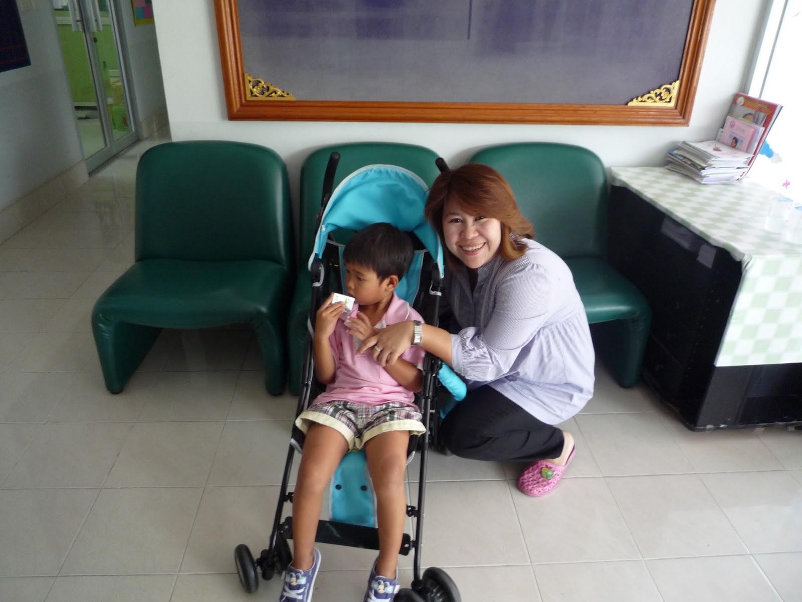Opgehaald uit Thailand.....!: maart 2011