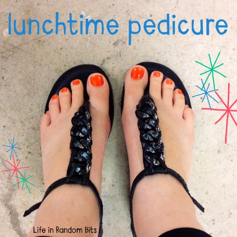 No time for a salon pedicure? Paint your toes on your lunch break! #beauty #diy #nailpolish - www.lifeinrandombits.com
