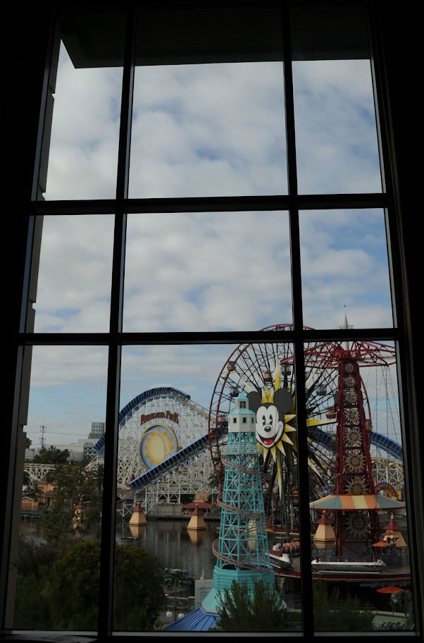 Please tell me about the 3 bdrm suite at the grand cal Disney grand californian 2 bedroom suite