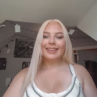 Emma Summerhayes's avatar