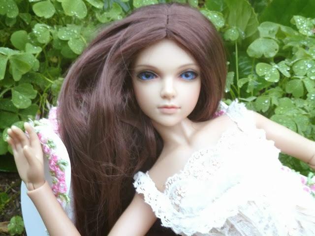 Alice (Leona JID Iplehouse) en cure de remise en forme (p 2) Arrive%25CC%2581e%2520Leona17
