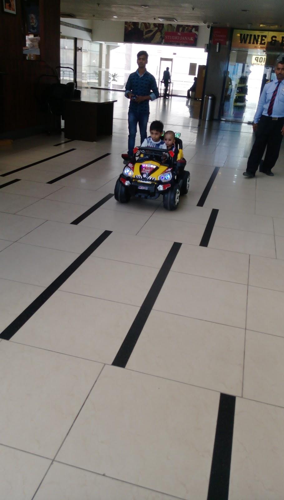 Wave Cinemas (TDI Paragon Mall)
