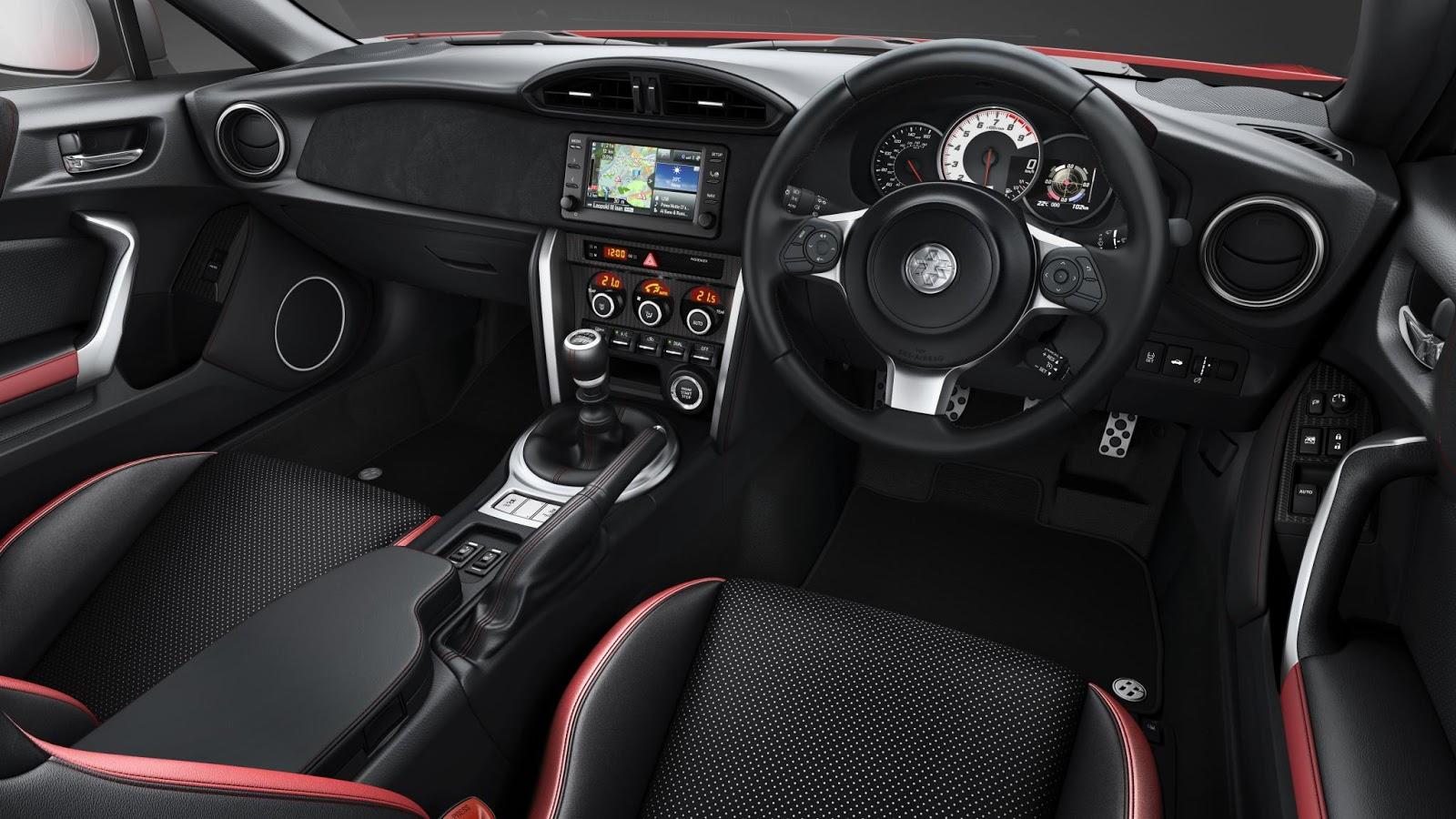 Nội thất của xe cũng rất đẹp và phong cách, khá thực dụng