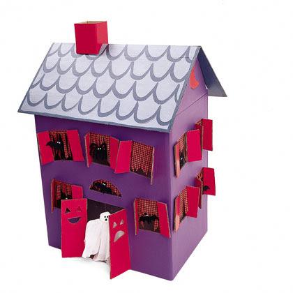 Esta casa encantada puede servir como inspiración para hacer un decorado (un fondo en el que fotografiar a l@s MH)