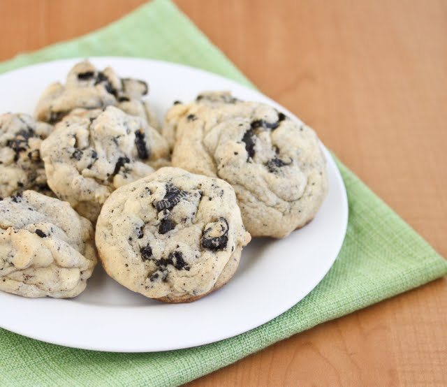 photo of a plate of Soft Cookies And Cream Cookies